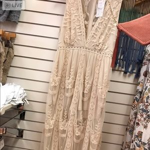 Dresses & Skirts - Ivory deep v romper with lace overlay